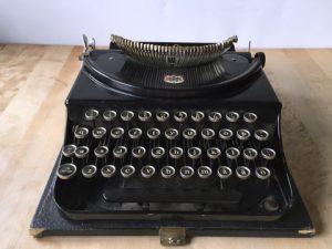 Monarch Pioneer skrivmaskin