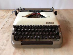 Erika 10 skrivmaskin