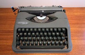 Hermes Baby skrivmaskin 1955